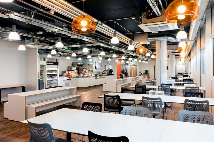 easyJet-Offices-Training-Facility-by-Area-Sq-London-UK-03