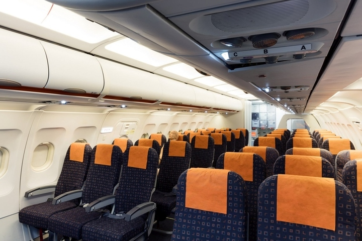 easyJet-Offices-Training-Facility-by-Area-Sq-London-UK-04