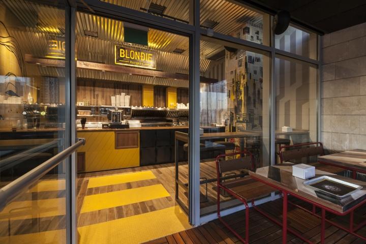 Blondie-Burger-by-Studio-Yaron-Tal-Tel-Aviv-Israel-02