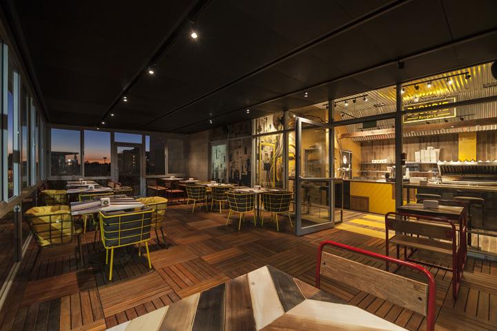 Blondie-Burger-by-Studio-Yaron-Tal-Tel-Aviv-Israel