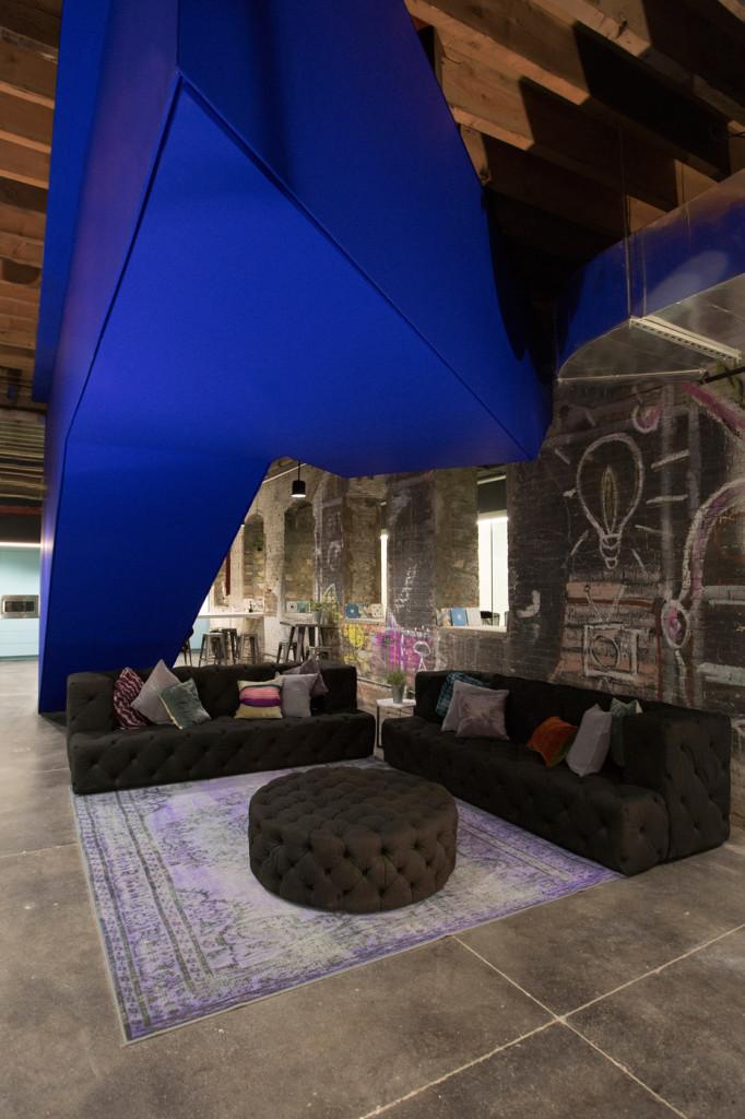 coworking-space-leeser-architecture-coworkrs-brooklyn-new-york-us_dezeen_936_4