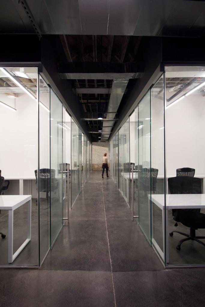 coworking-space-leeser-architecture-coworkrs-brooklyn-new-york-us_dezeen_936_5