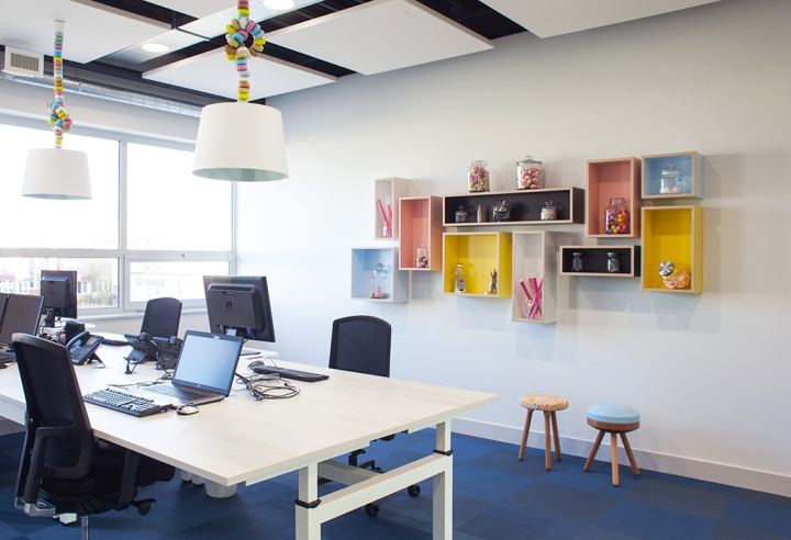 Young-Perfect-office-by-studiomfd-Breda-Netherlands-04