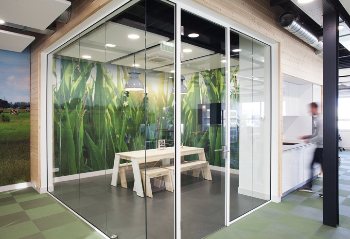Young-Perfect-office-by-studiomfd-Breda-Netherlands-06