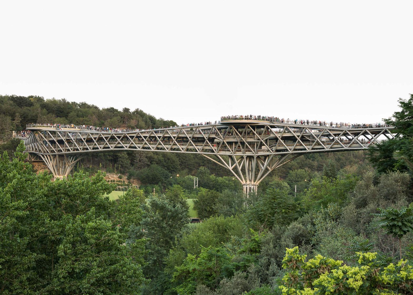 Brücke in Teheran