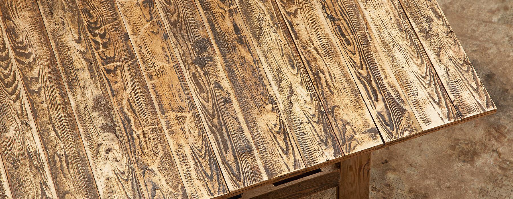 Holz mit Eisen behandeln