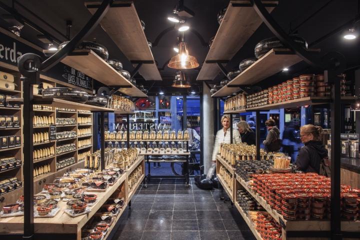 Amsterdam-Cheese-Store-by-studiomfd-Amsterdam-Netherlands-10