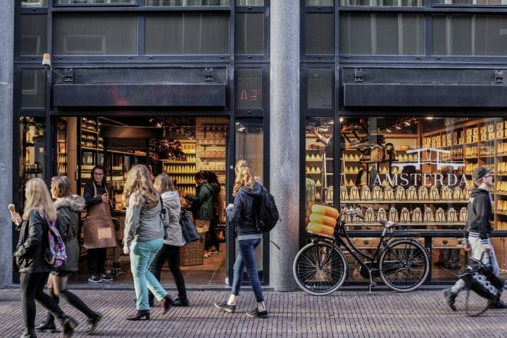 Amsterdam-Cheese-Store-by-studiomfd-Amsterdam-Netherlands-19