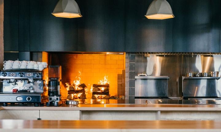 Hoogan-et-Beaufort-restaurant-by-APPAREIL-architecture-Montreal-Canada-04