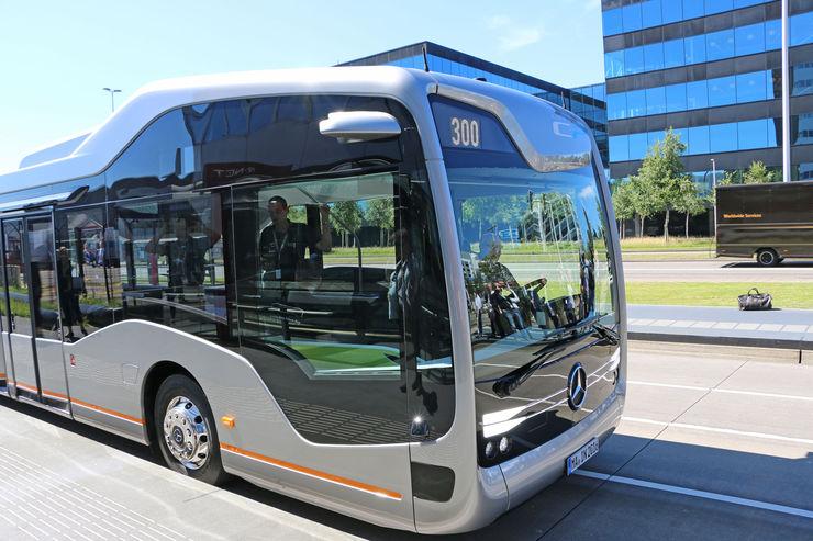 Mercedes-Benz-Future-Bus-autonomes-Fahren-fotoshowBig-1144fafc-964458