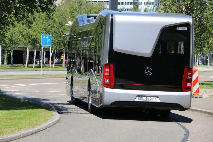 Mercedes-Benz-Future-Bus-autonomes-Fahren-fotoshowBig-22338462-964457