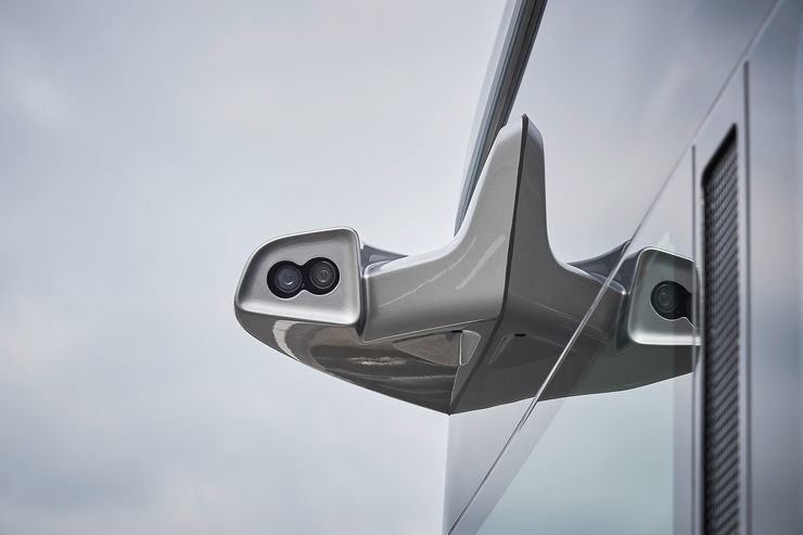 Mercedes-Future-Bus-fotoshowBig-1448f680-964099