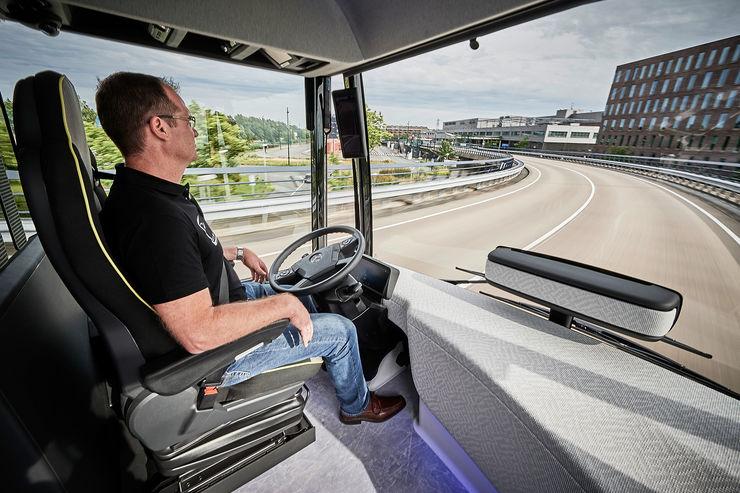 Mercedes-Future-Bus-fotoshowBig-7650c91-964084