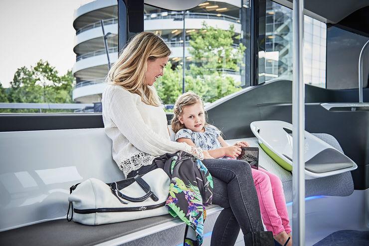 Mercedes-Future-Bus-fotoshowBig-d0a8fa95-964093
