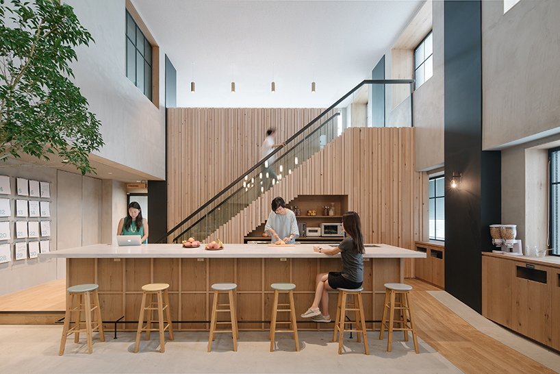 airbnb-tokyo-office-interiors-japan-suppose-design-office-designboom-03