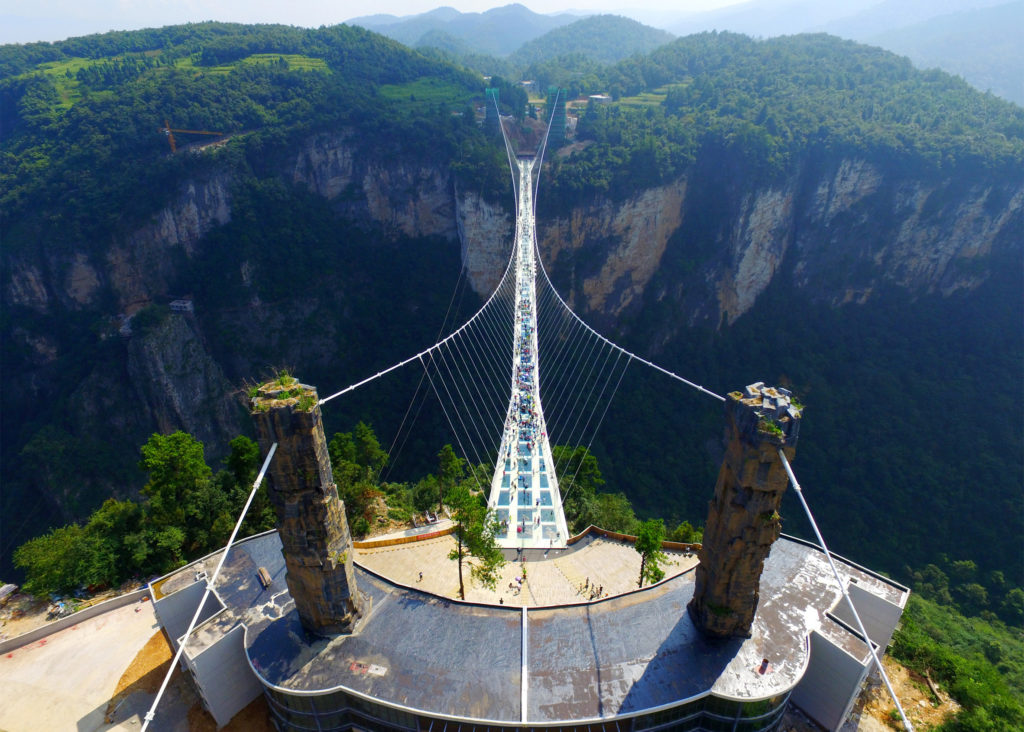 zhangjiajie-grand-canyon-glass-bridge-haim-dotan_dezeen_2364_ss_1