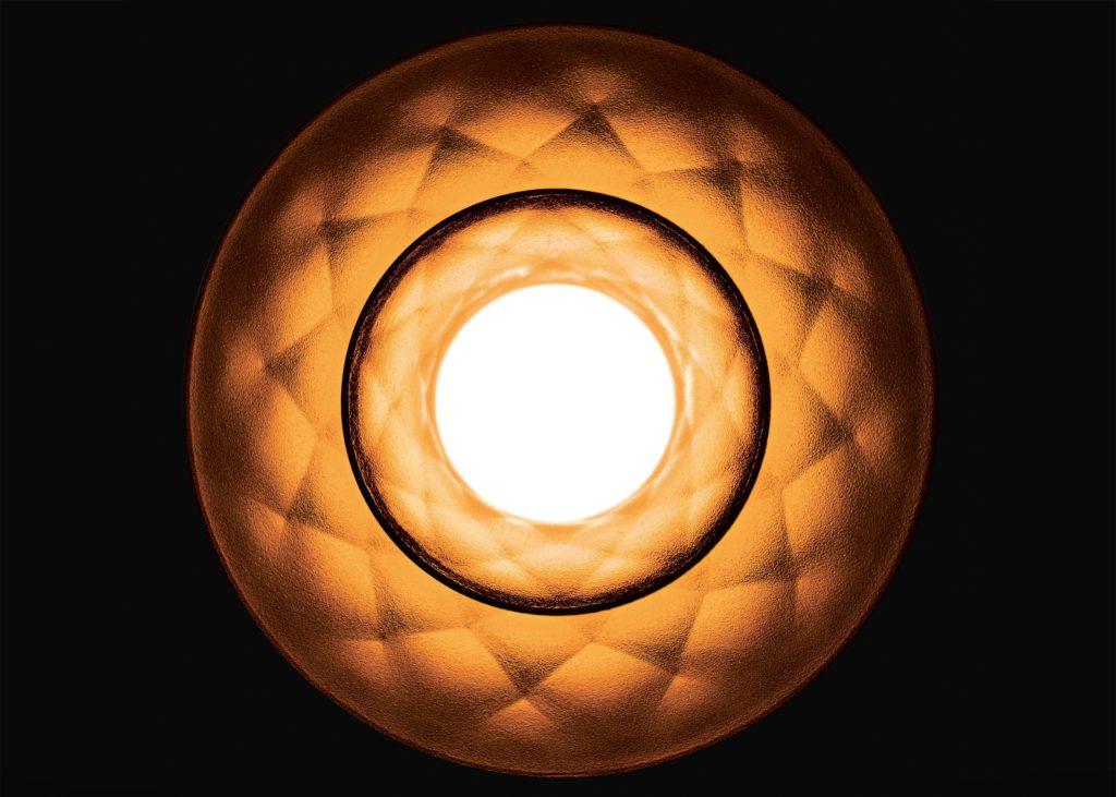 plumen-003-lightbulb-design_dezeen_2364_ss_4