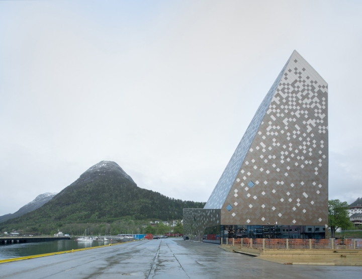 norwegian-mountaineering-center-by-reiulf-ramstad-oslo-norway7