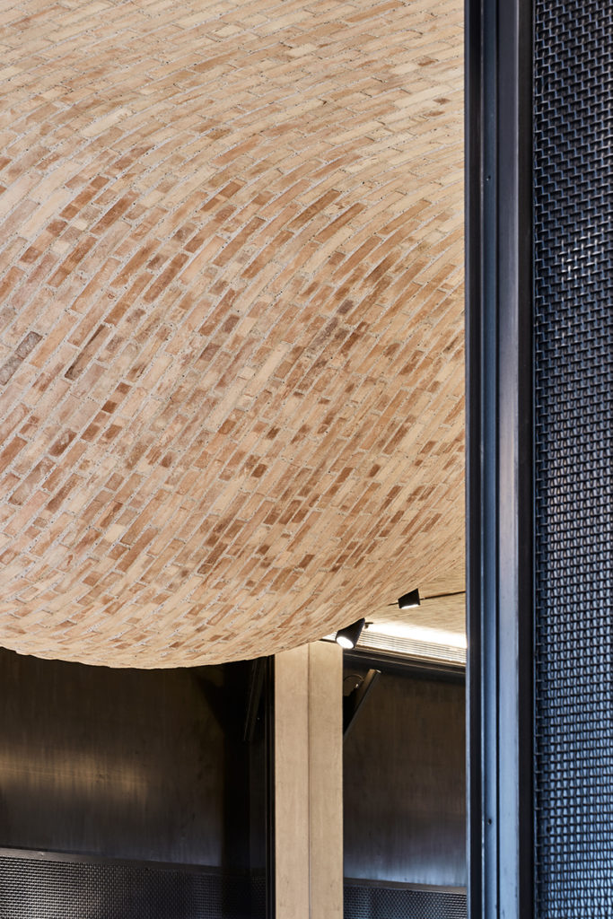 andy-martin-architecture-fucina-restaurant-london-designboom-04