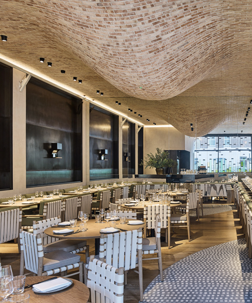 andy-martin-architecture-fucina-restaurant-london-designboom-600