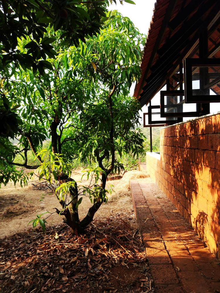 Vrindavan-Villa aus Backsteinen