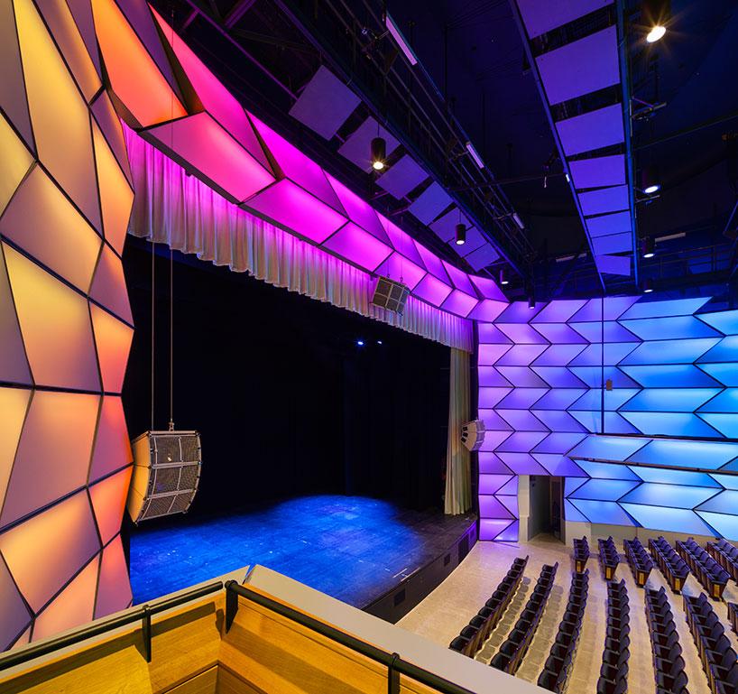 Toronto Theater by Diamond Schmitt