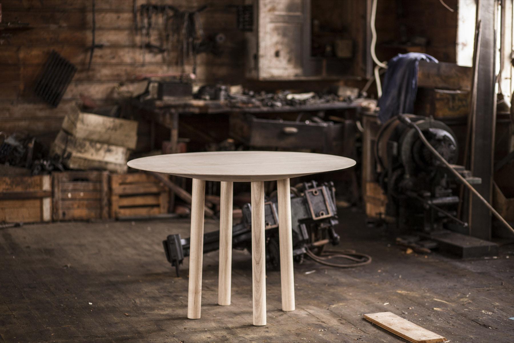Massi - Der Tisch
